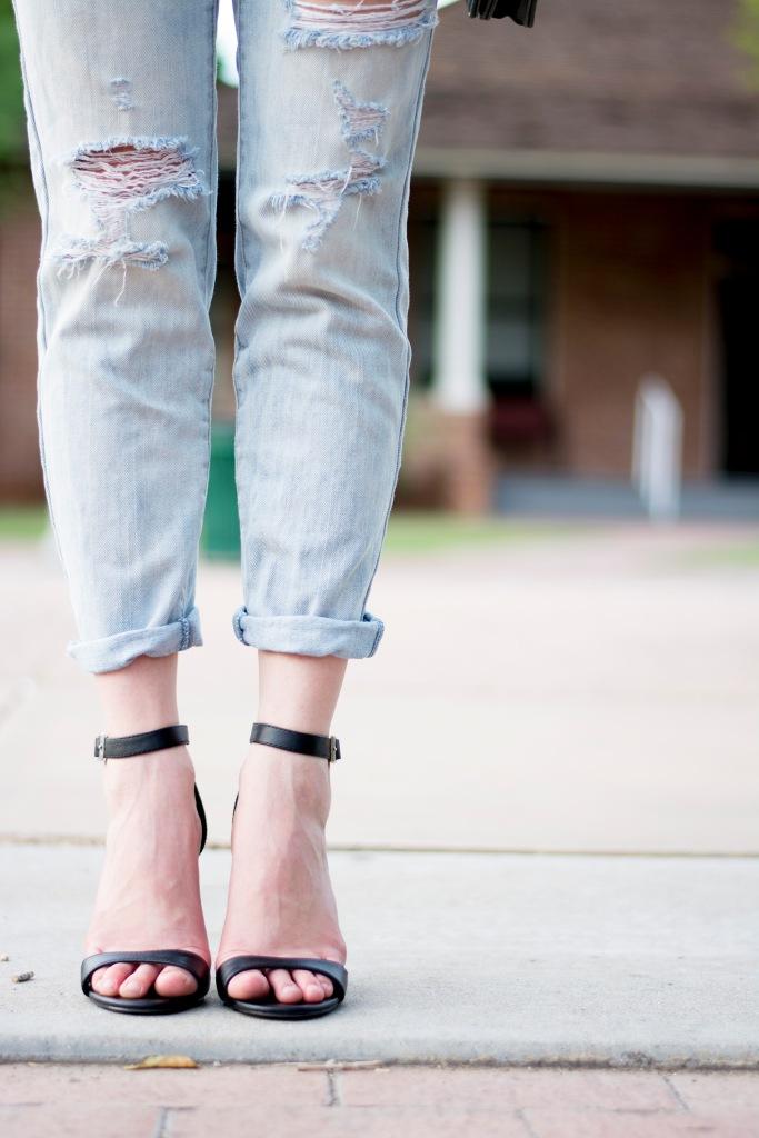 Taylor_Seely_Dash_of_Daisy_Blogger_Boyfriend_Jeans_Target_Heels