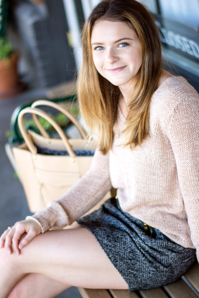 Dash of Daisy Blogger Taylor Seely in Office Casual Fall Fashion