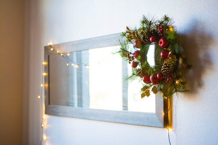Wide_Apt_View_Christmas_Decor_Dash_of_Daisy_blog10