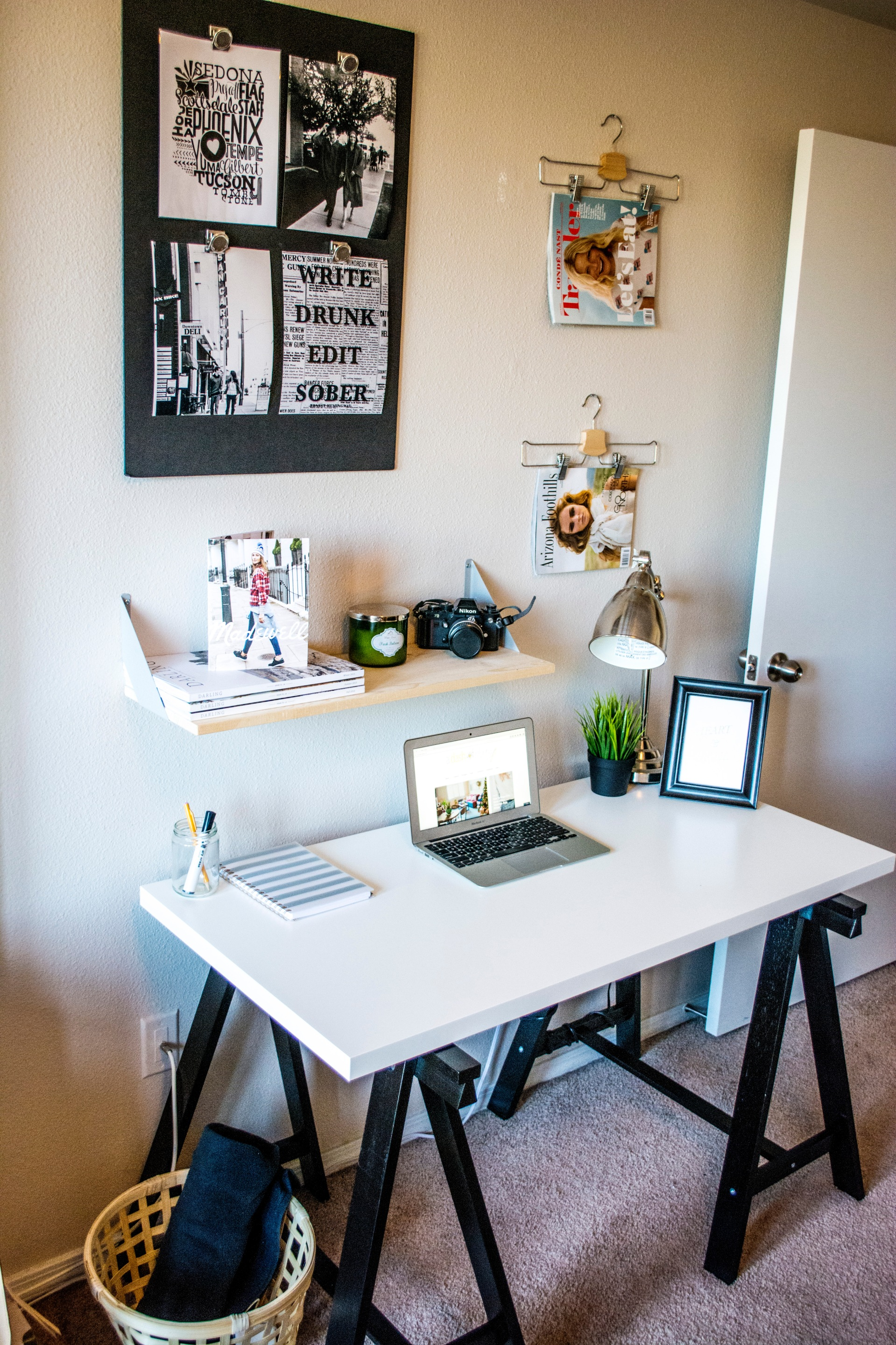 taylor-seely-dash-of-daisy-apartment-desk-decor