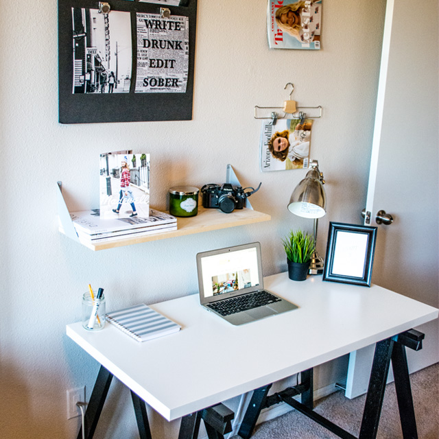 taylor-seely-dash-of-daisy-apartment-desk-decor2
