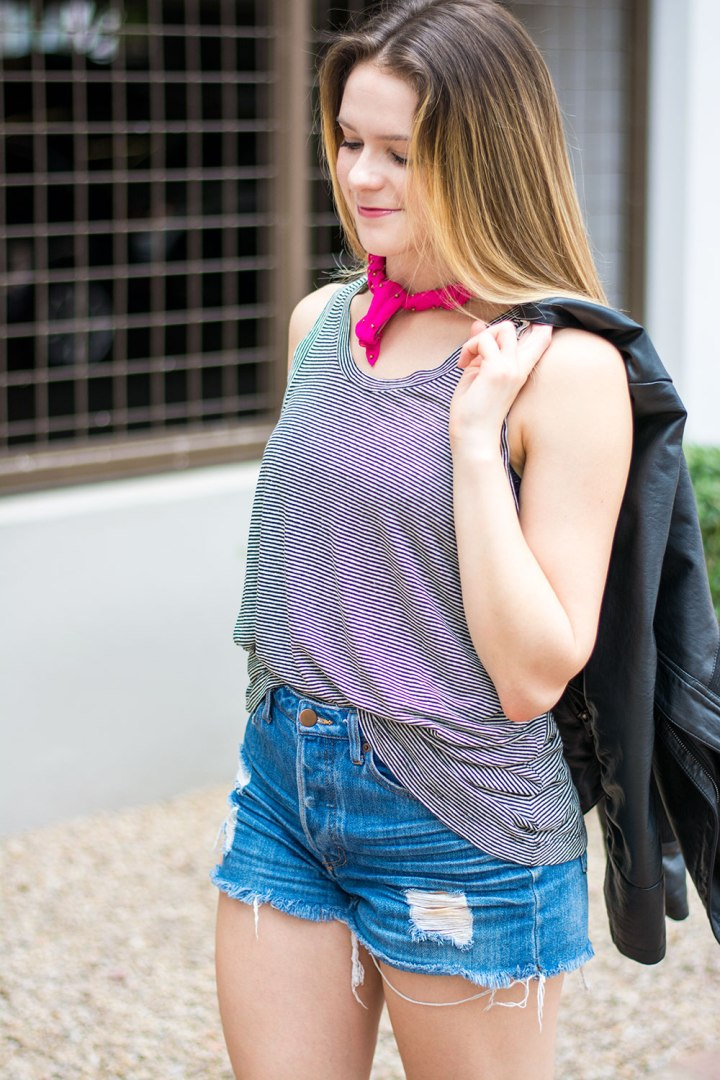 Dash-of-Daisy-Blogger-Taylor-Seely-Pink-Scarf-Monochrome-Tank